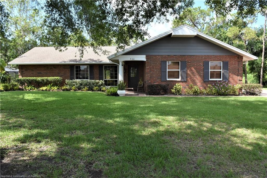 700 Golfside Lane, Sebring, FL 33870