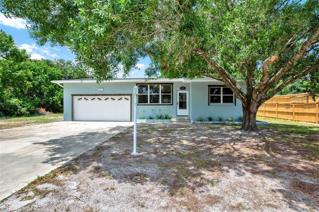 909 Hollyhock Court, Lake Placid, FL 33852