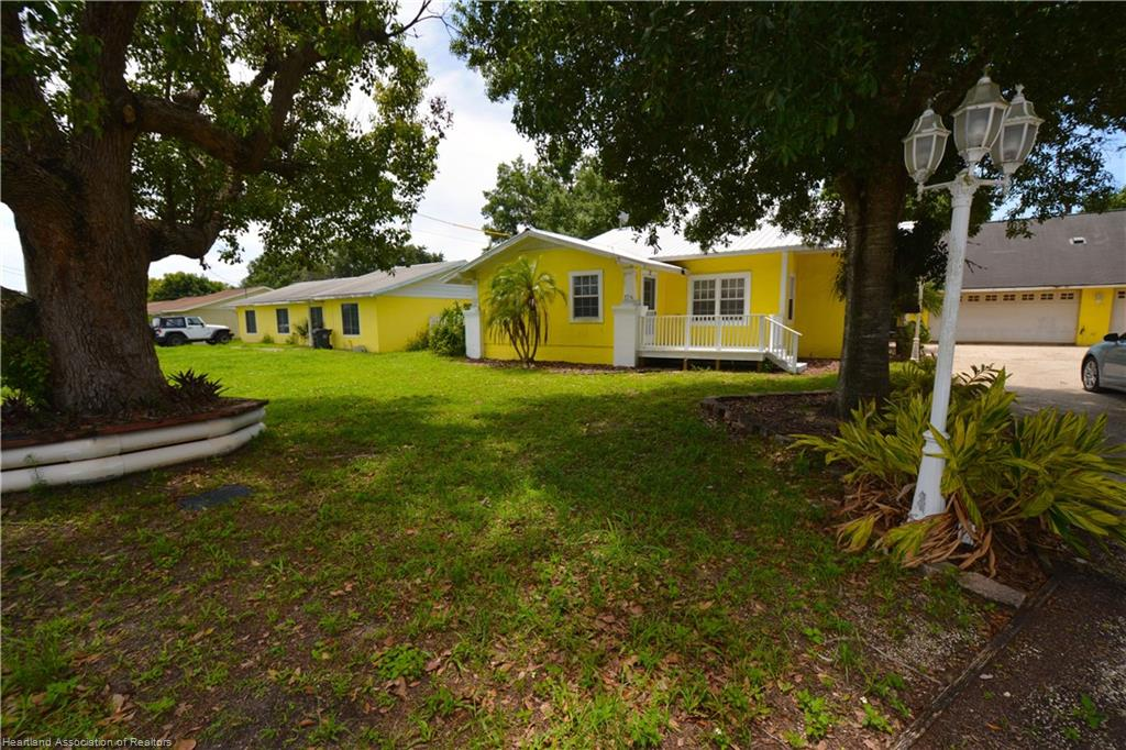 12 E Raymond Street, Avon Park, FL 33825