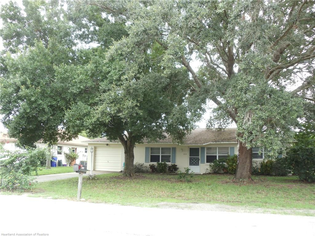 1515 Chatsworth Street, Lake Placid, FL 33852