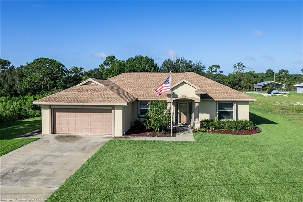 1564 Sycamore Avenue, Lake Placid, FL 33852