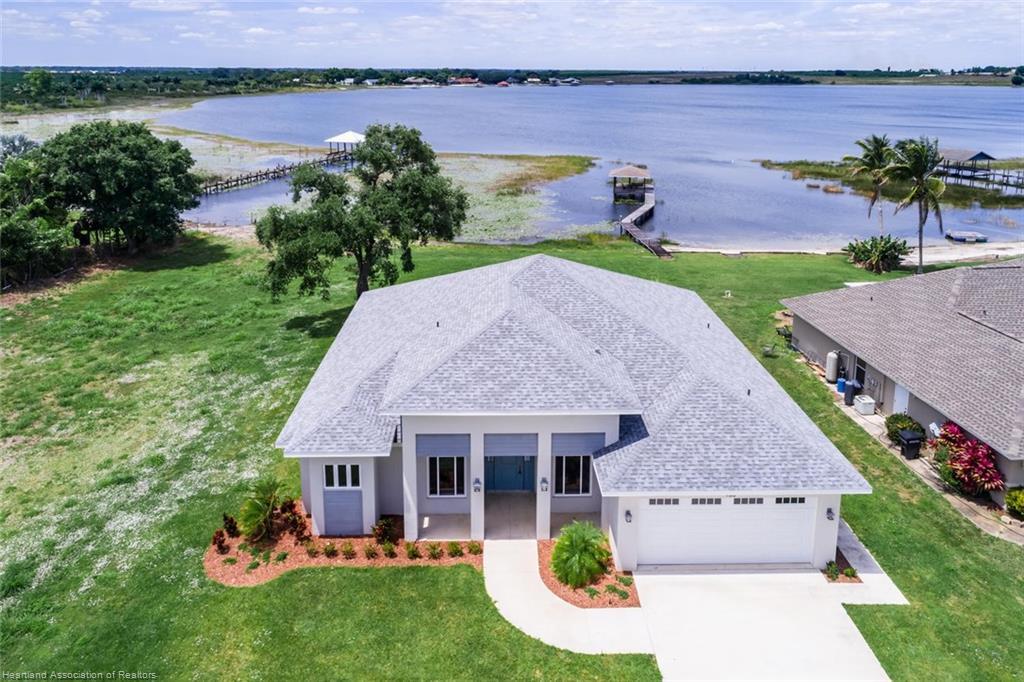 956 Lake E Drive, Lake Placid, FL 33852
