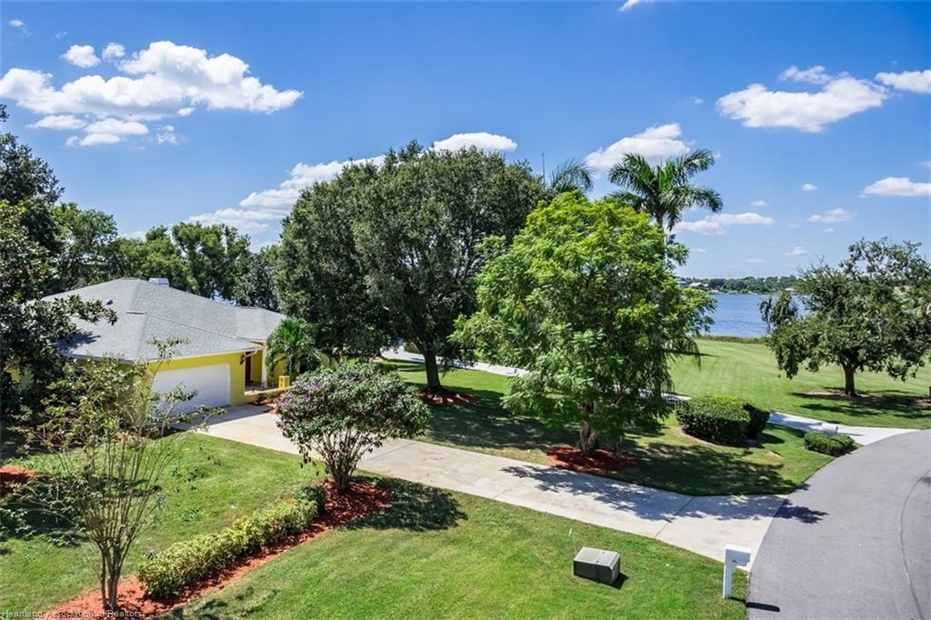 26 Meadowlake S Circle, Lake Placid, FL 33852