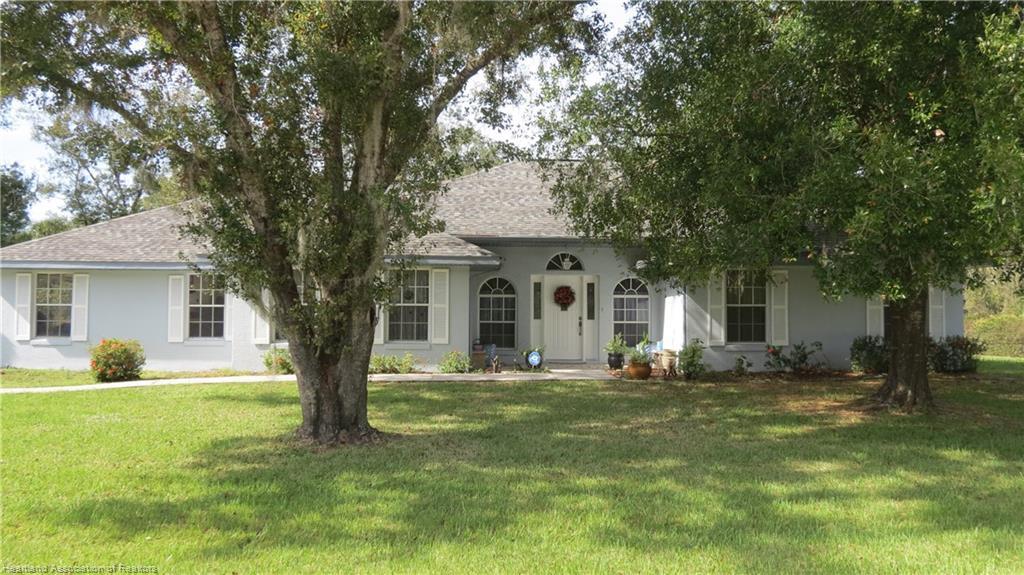 9205 Vinewood Court, Sebring, FL 33875