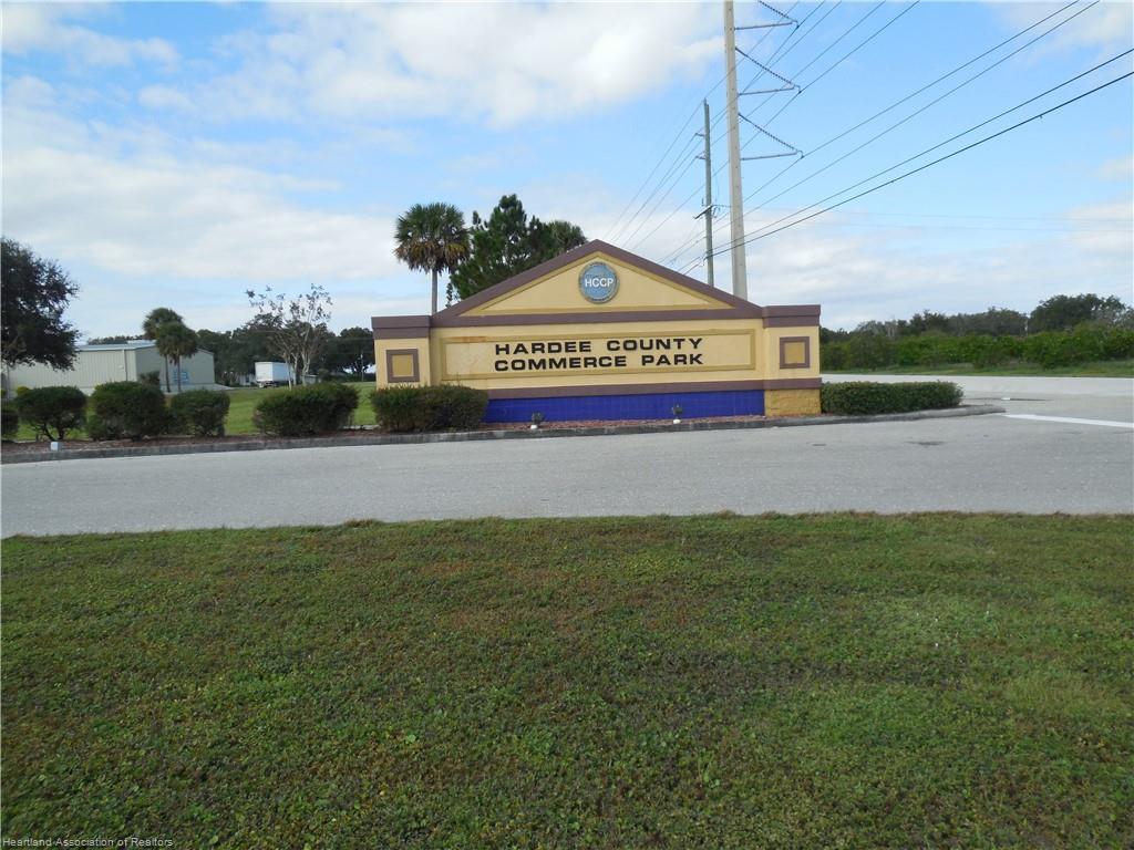 2548 Commerce Court, Bowling Green, FL 33834