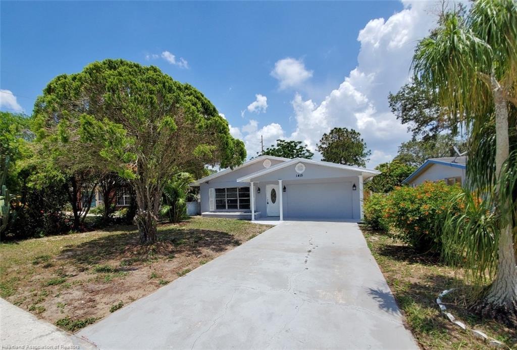 1415 Osceola Avenue, Sebring, FL 33870