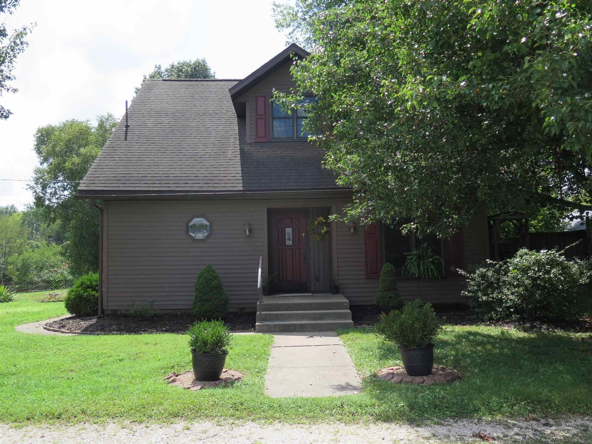 806 E Union Street, Winslow, IN 47598