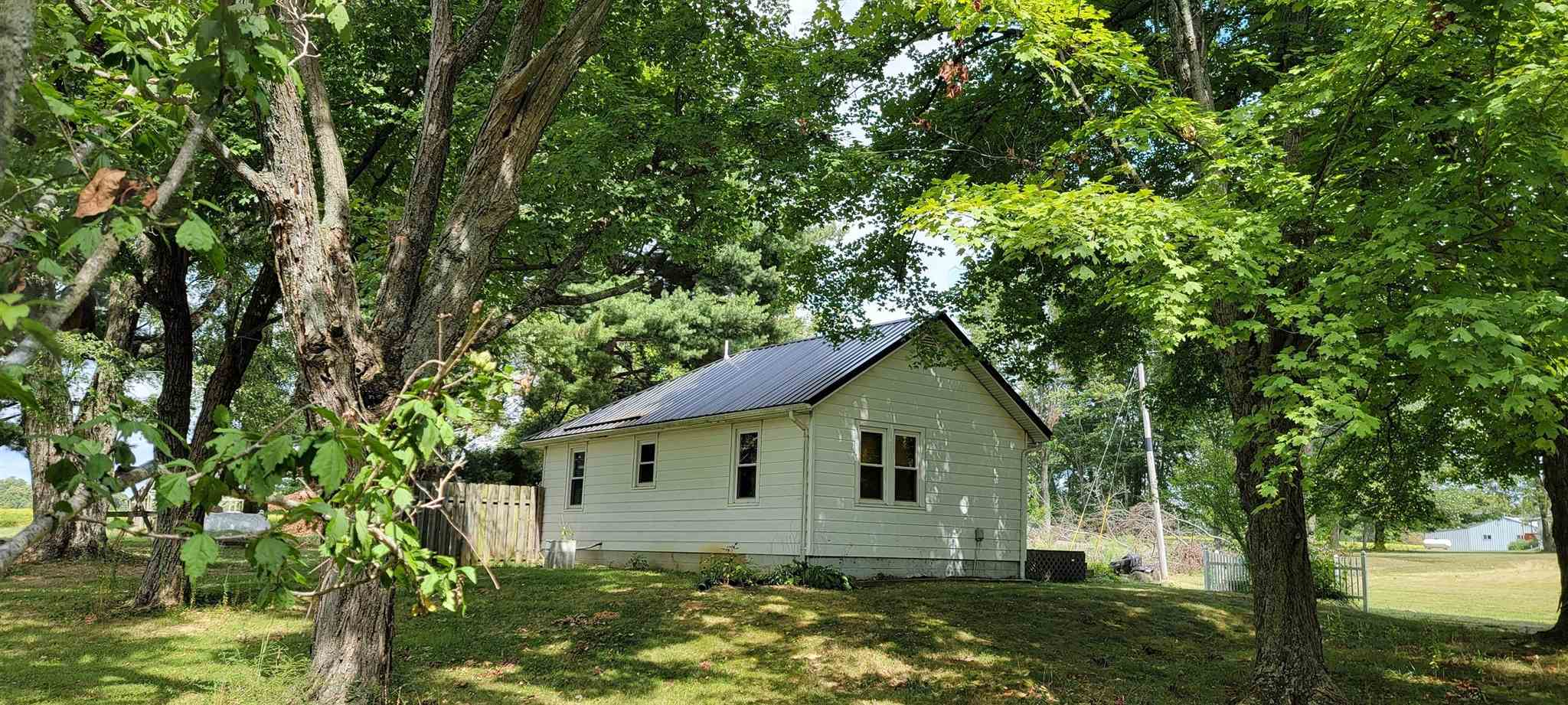 1475 State Road 645, Loogootee, IN 47553