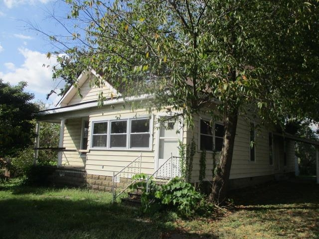 105 E North Street, Winslow, IN 47598