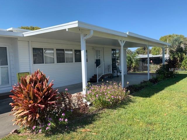 1522 Southshore Dr, Tavares, FL 32778
