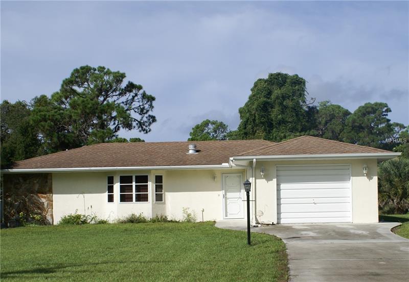 2056 Alamander Ave, Englewood, FL 34223