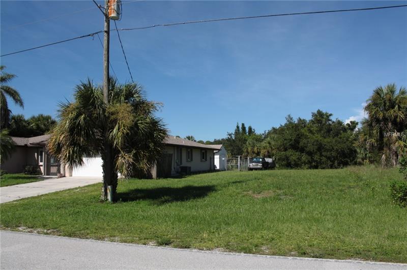 2113 Cedarwood St, Port Charlotte, FL 33948