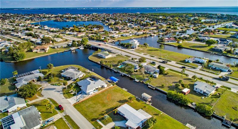 114 Dowling Ave Ne, Port Charlotte, FL 33952