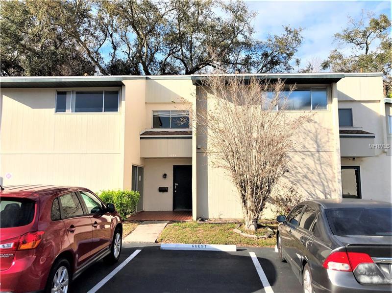 1029 Longfellow Ct, Sarasota, FL 34243