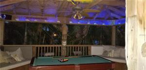 502 68th St, Holmes Beach, FL 34217