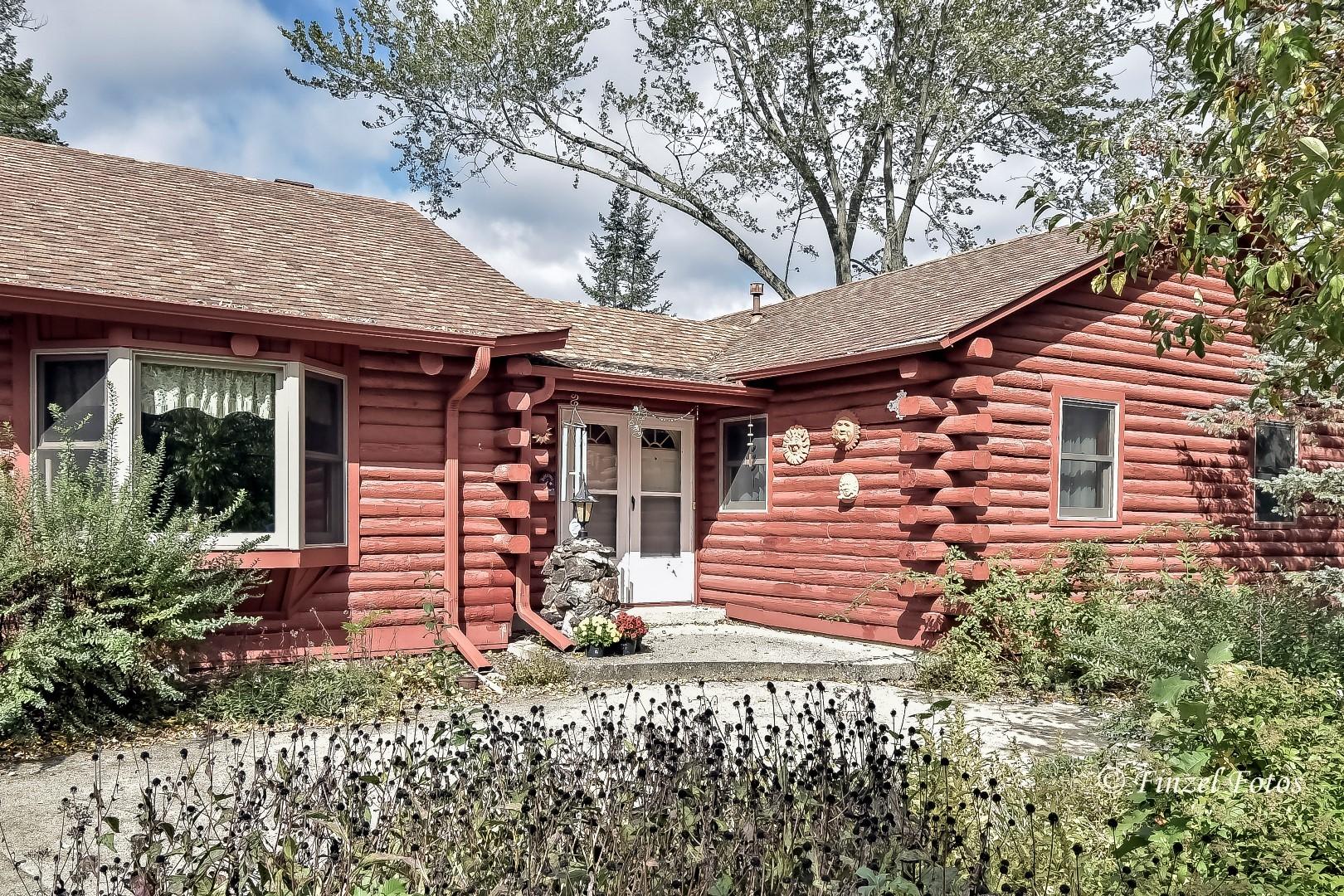 1102 Bayview Road, Fox River Grove, IL 60021