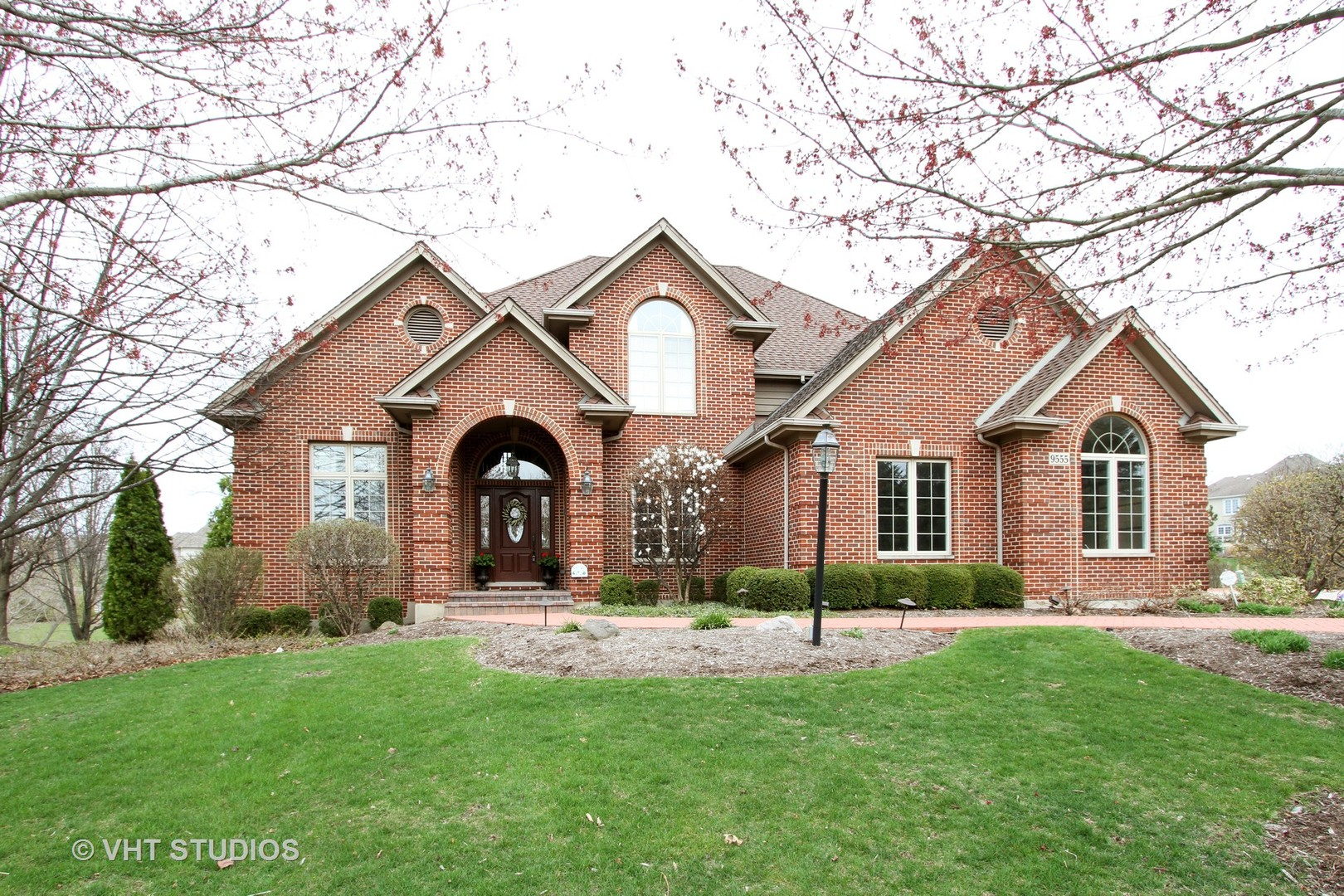 9555 Player Court, Crystal Lake, IL 60014