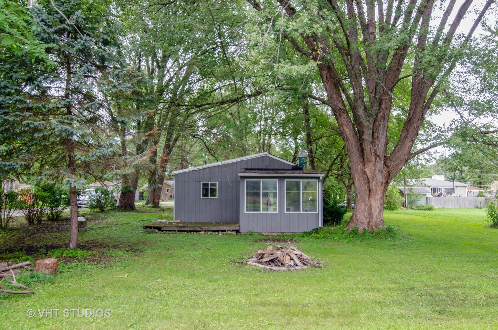 4432 Bay View Drive, Crystal Lake, IL 60014