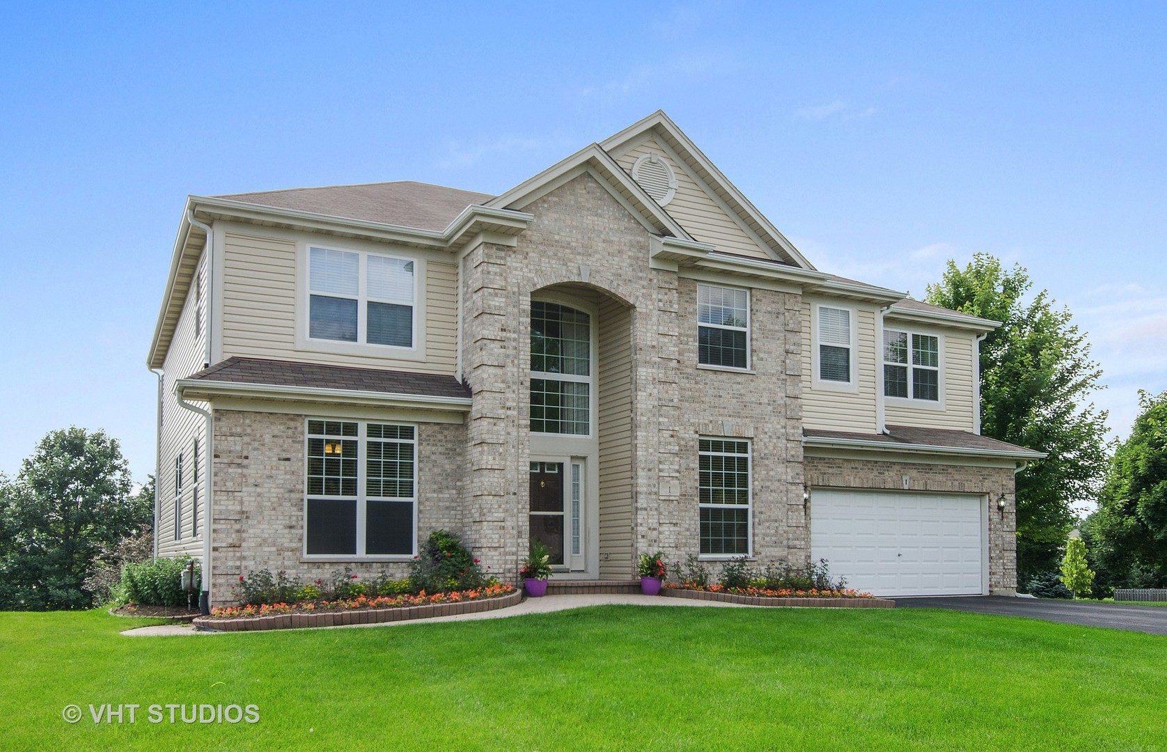 1 Sheffield Court, Cary, IL 60013