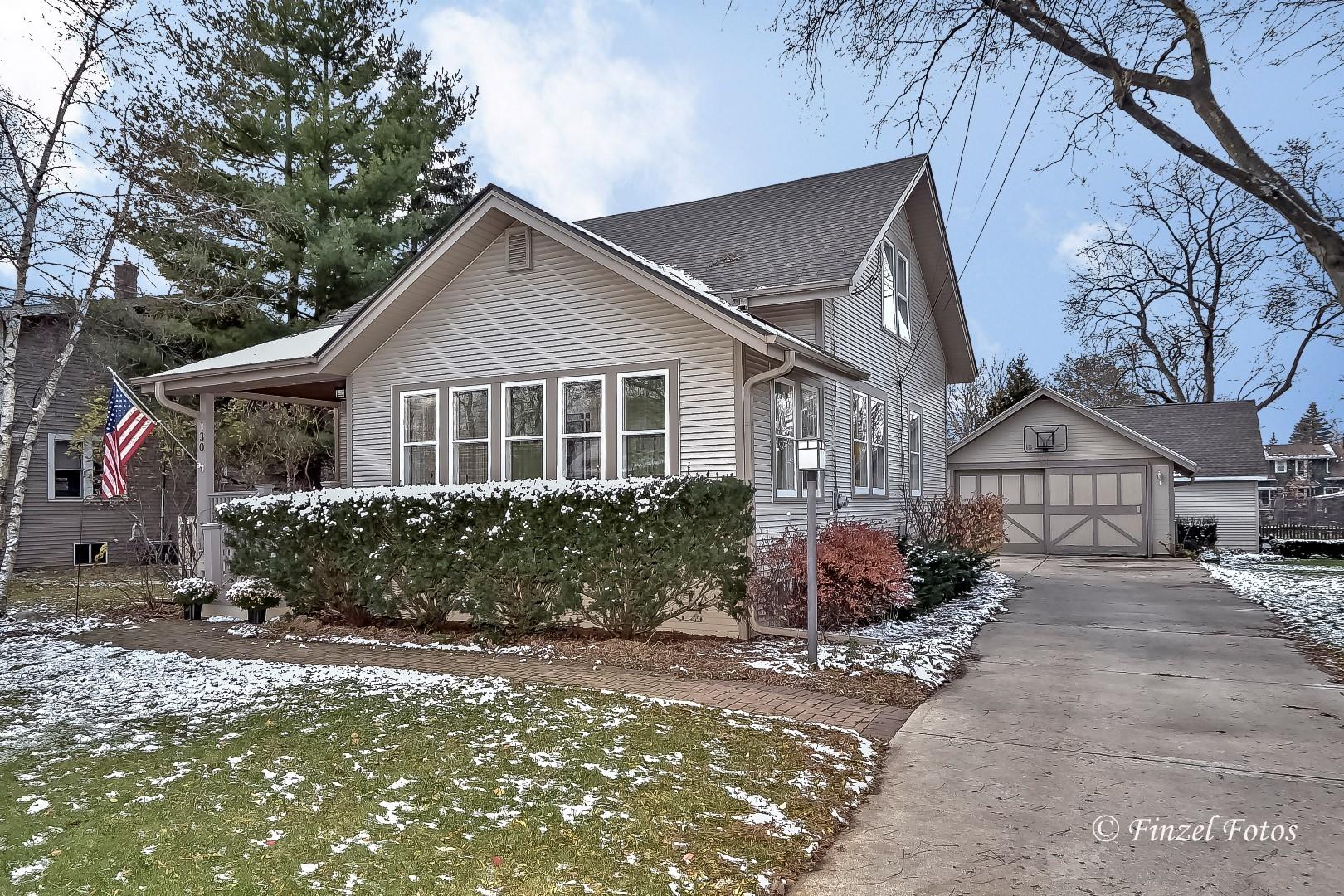 130 College Street, Crystal Lake, IL 60014