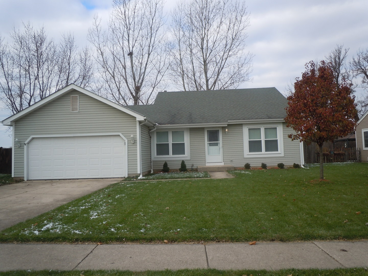 109 S Creekside Trail, Mchenry, IL 60050