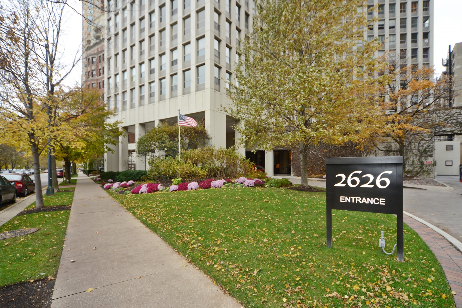 2626 N Lakeview Avenue, Chicago, IL 60614