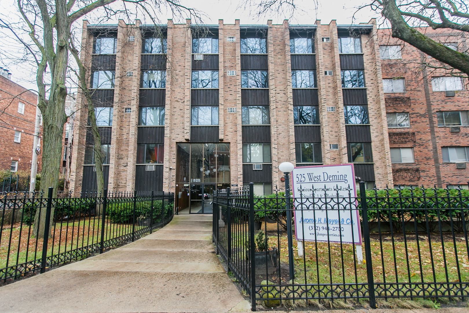 525 W Deming Place, Chicago, IL 60614