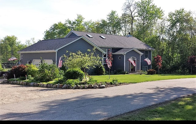 28541 Parkview Place, Spring Grove, IL 60081