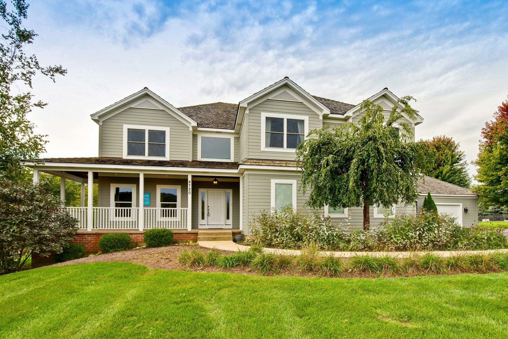 8720 Country Shire Lane, Spring Grove, IL 60081