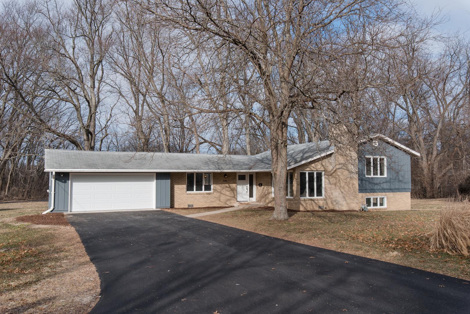 540 Woodland Drive, Crystal Lake, IL 60014