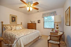 1632 N Windsor Drive, Arlington Heights, IL 60004