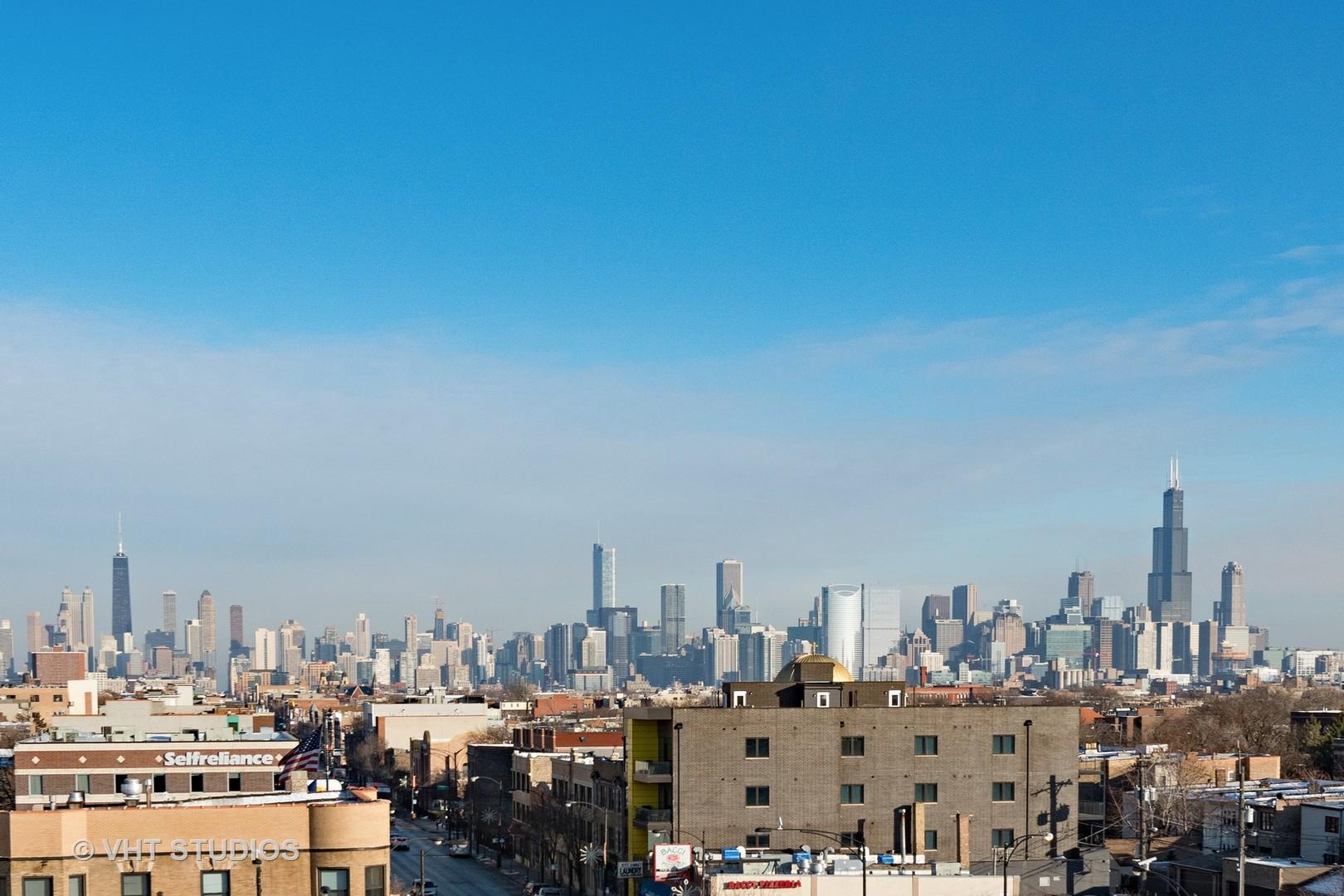2424 W Chicago Avenue, Chicago, IL 60622