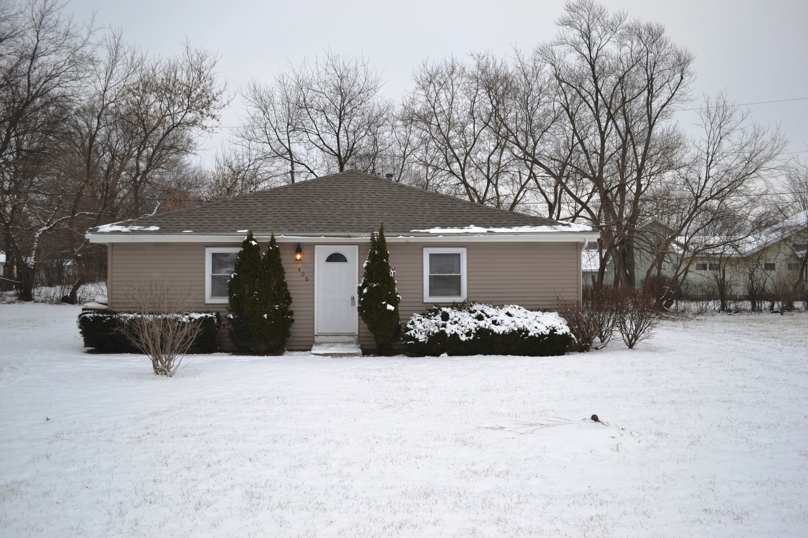 406 Eastview Avenue, Mchenry, IL 60051