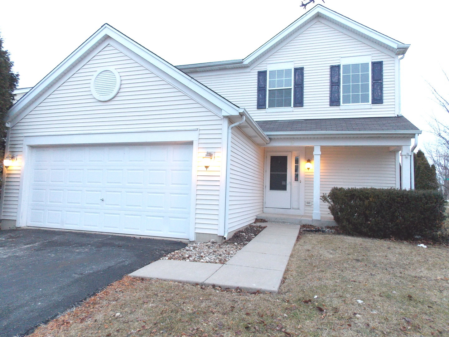 2 Flowerfield Court, Lake In The Hills, IL 60156