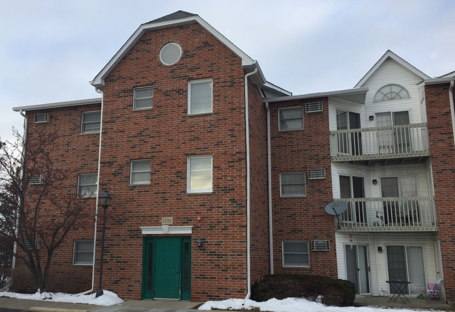 1330 Cunat Court, Lake In The Hills, IL 60156