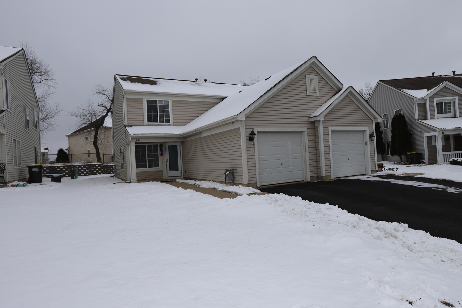 14 Ronan Court, Lake In The Hills, IL 60156
