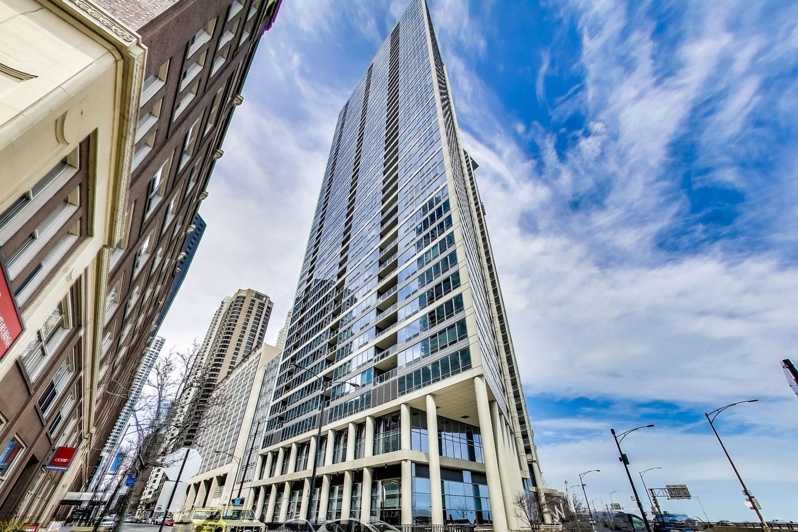 600 N Lake Shore Drive, Chicago, IL 60611