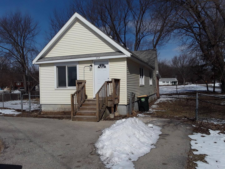 204 W Riverside Drive, Mchenry, IL 60051