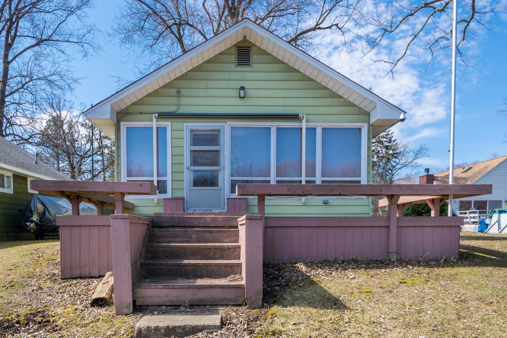 42571 N Forest Lane, Antioch, IL 60002