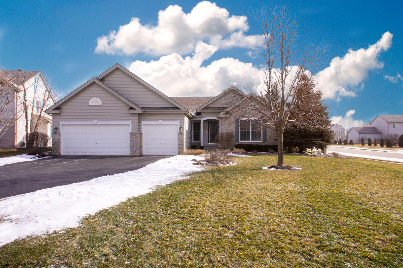 200 Donegal Court, Mchenry, IL 60050