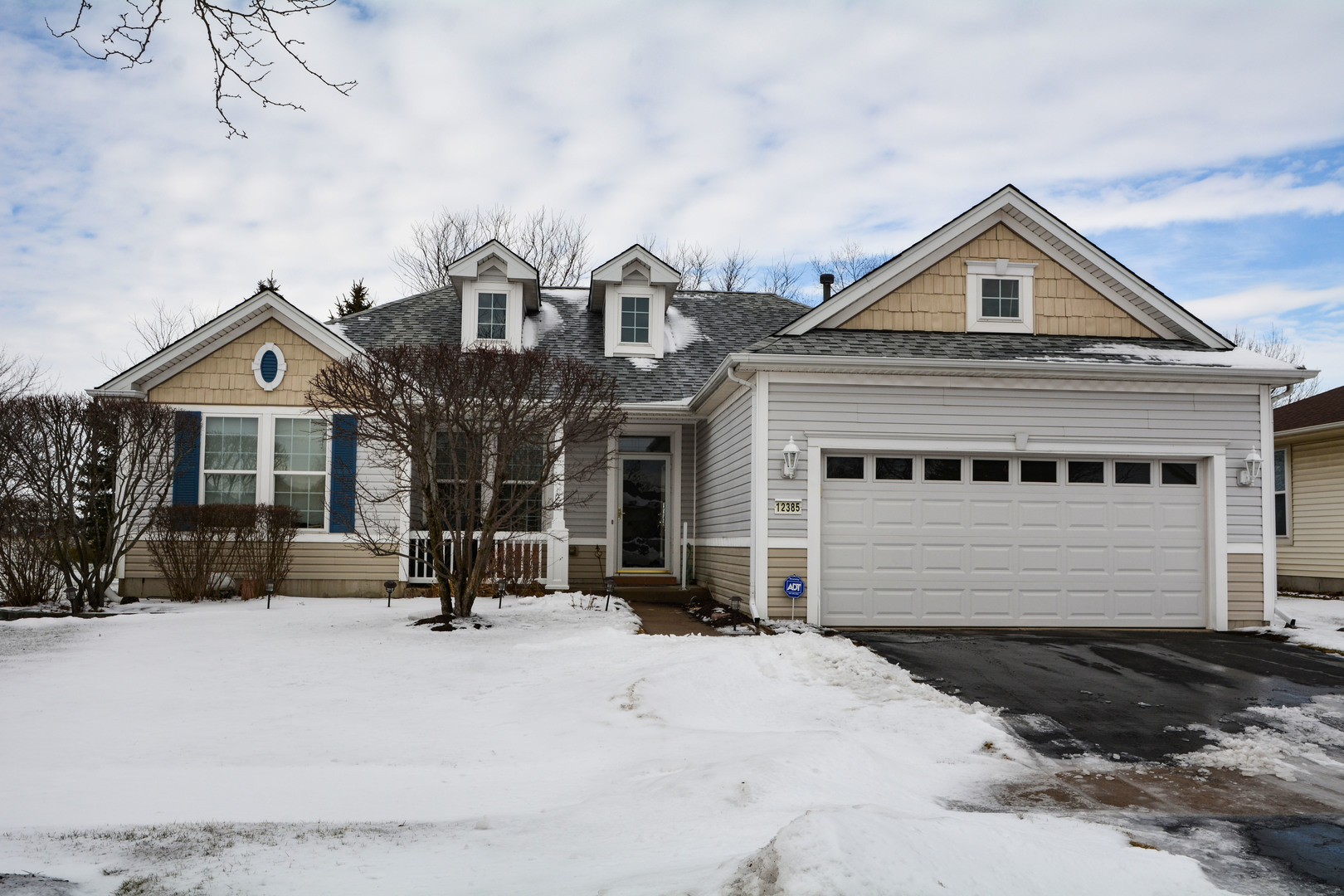 12385 Hickory Court, Huntley, IL 60142