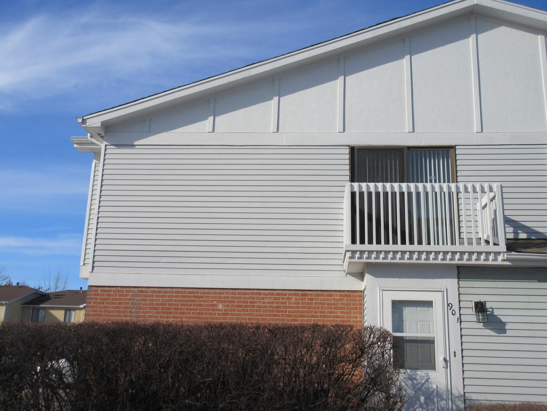 901 Van Buren Court, Vernon Hills, IL 60061