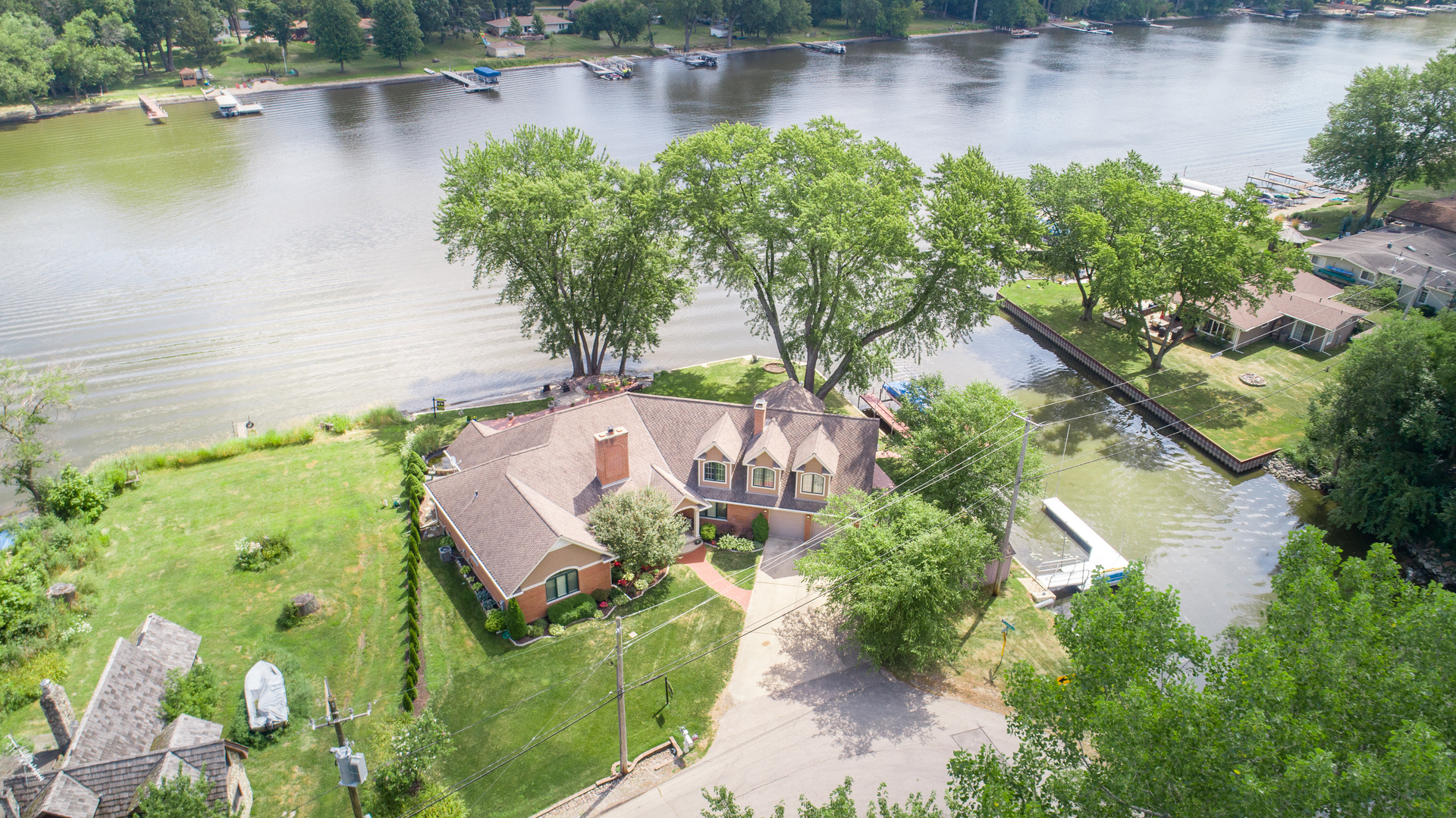 4444 Riverside Drive, Crystal Lake, IL 60014