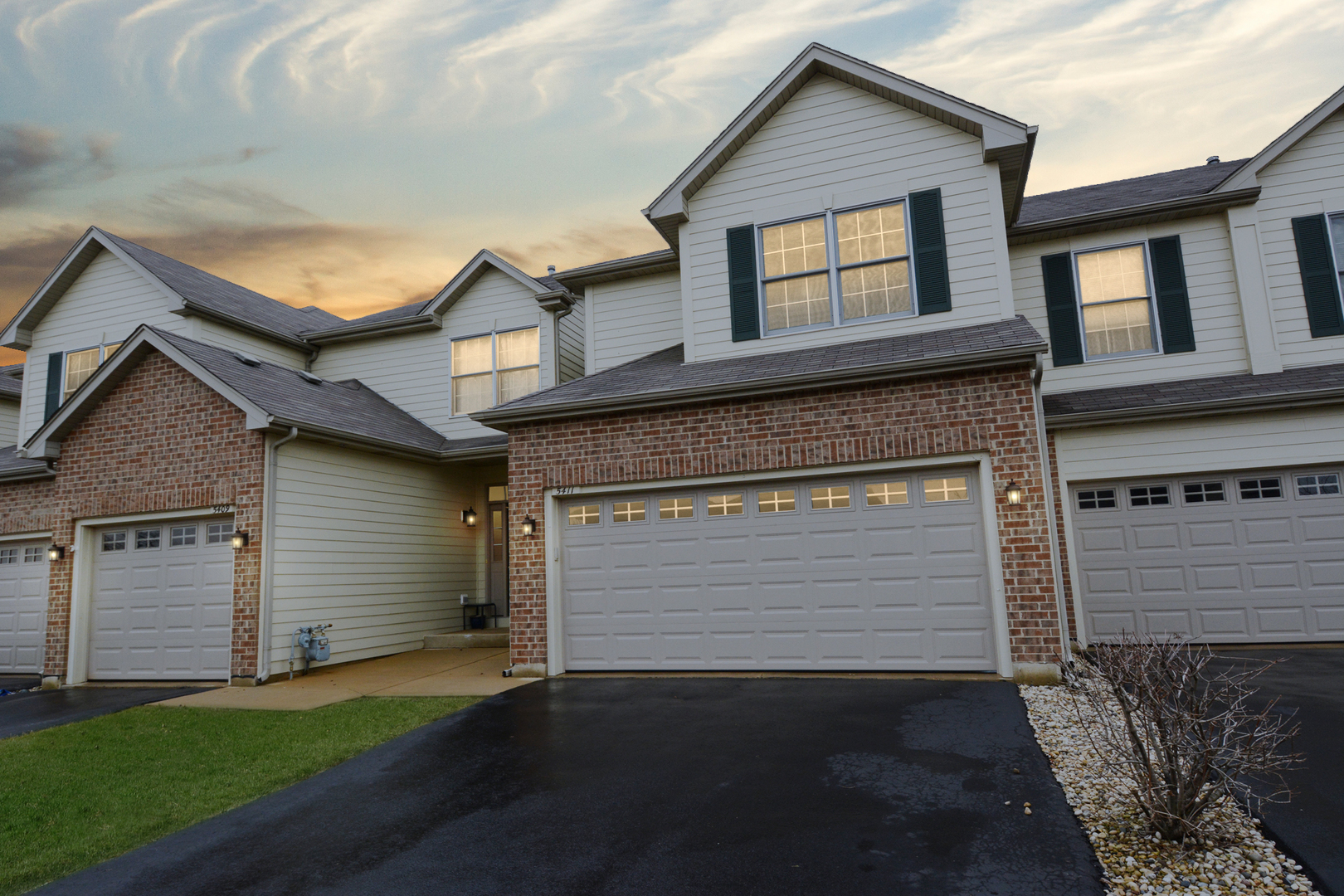 5411 Cobblers Crossing, Mchenry, IL 60050