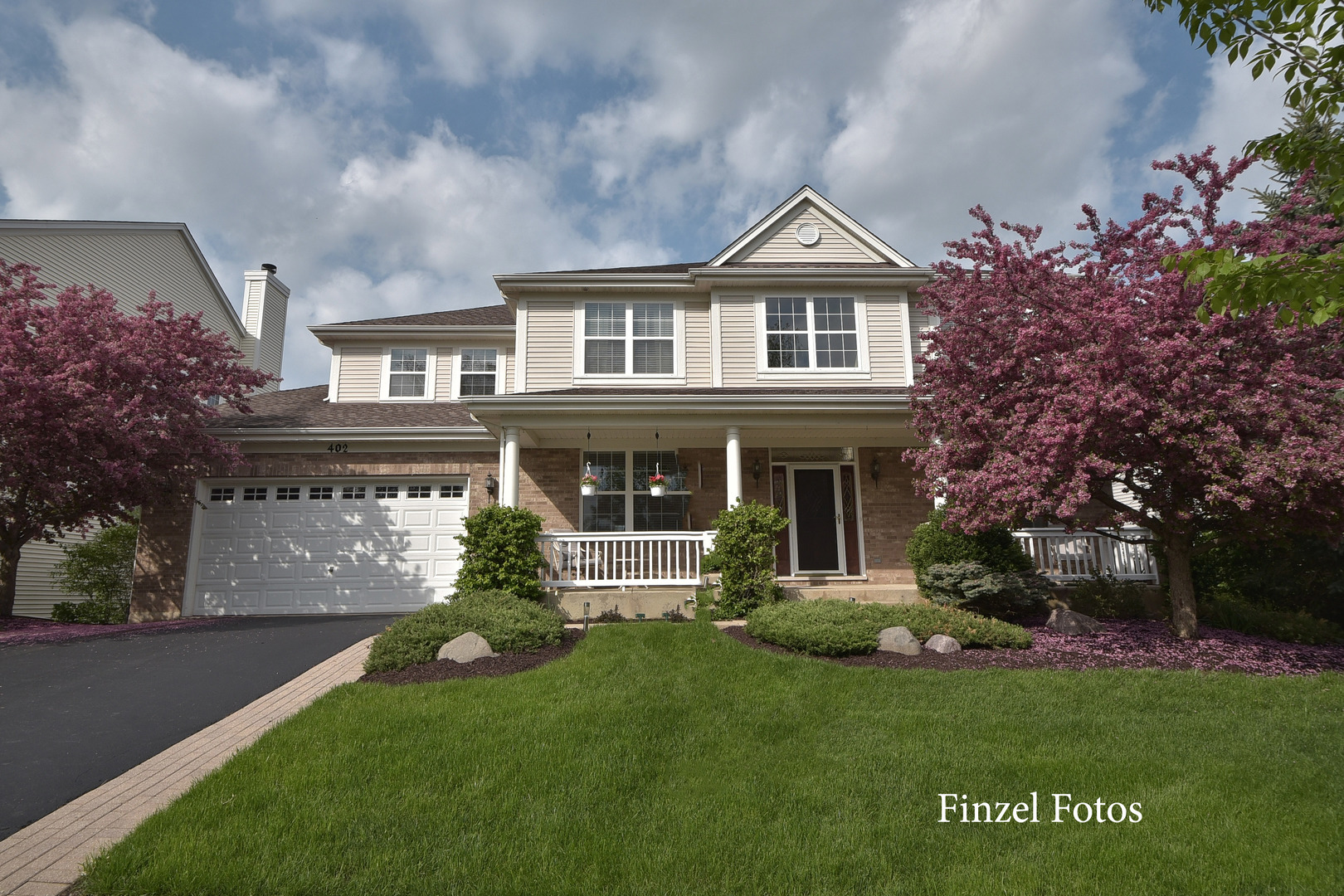 402 Wentworth Circle, Cary, IL 60013