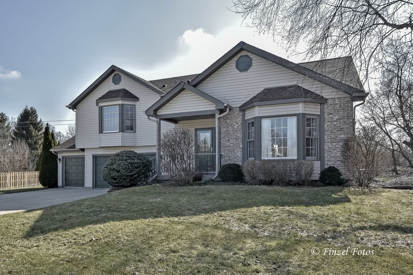 982 Donnelly Place, Mchenry, IL 60050
