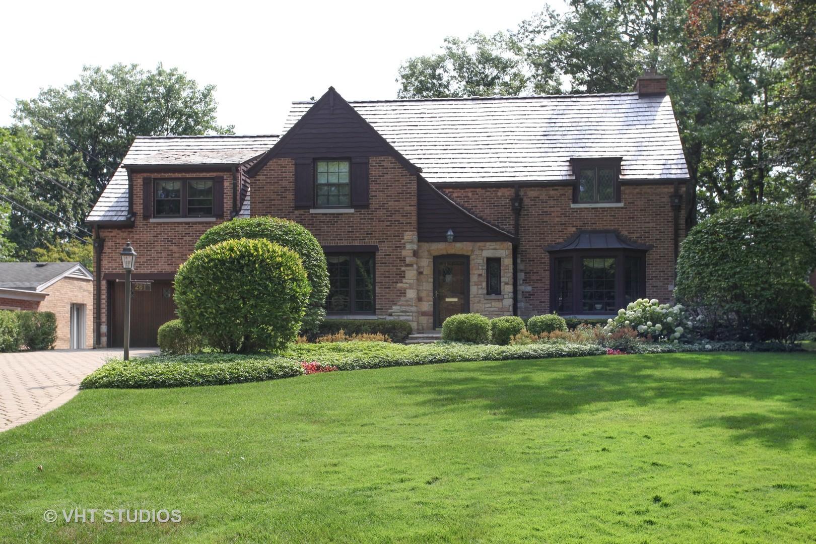 261 Lakeside Place, Highland Park, IL 60035