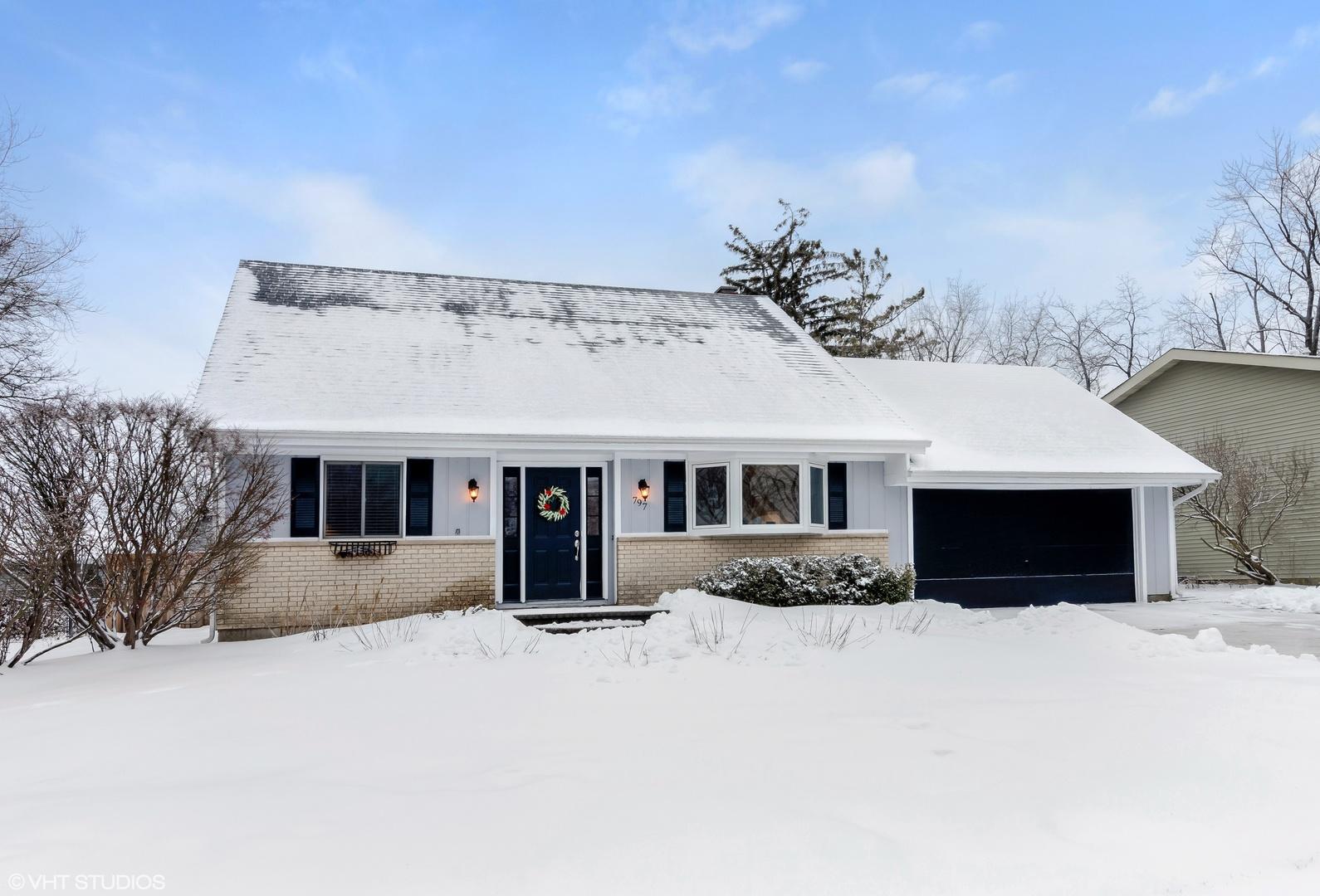 797 Windsor Drive, Crystal Lake, IL 60014