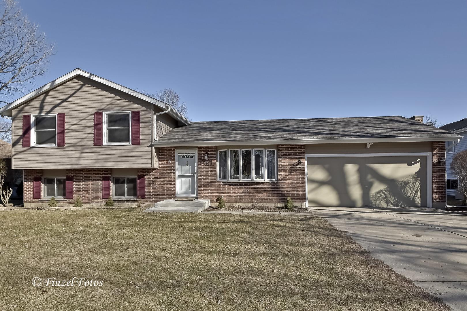 5302 Abbey Drive, Mchenry, IL 60050