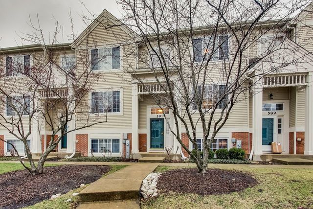 591 Cary Woods Circle, Cary, IL 60013